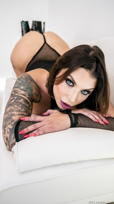 Ivy Lebelle Picture 4