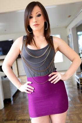 Jennifer White Picture 3